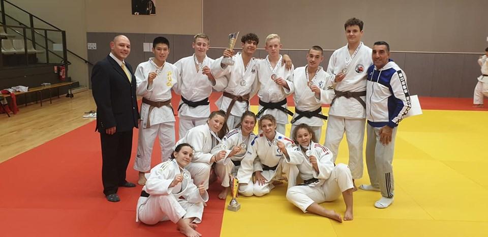Les équipes cadets et cadettes de l'AJ59 championnes régionales